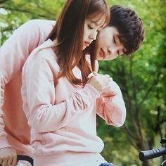 #HanHyoJoo #LeeJongSuk #WTwoWorlds #behindthescenes #WPhotobook #Wphotoessay Credits to the owner