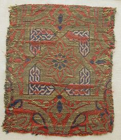 Fragment Date: 14th century Geography: Spain Culture: Islamic Medium: Silk, metal-wrapped thread; lampas Dimensions: Textile: H. 4 1/2 in. (11.4 cm) W. 3 1/2 in. (8.9 cm) Classification: Textiles-Woven