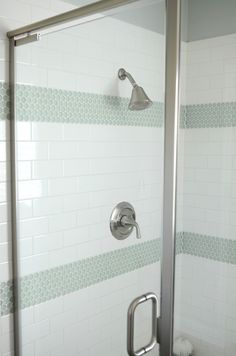 White subway tile in shower with turquoise tile accents. from House of Turquoise: Camille Roskelley (How about the white subway tiles with the rainbow swirl tiles for the borders) Penny Round Tiles, Penny Tile, Turquoise Tile, House Of Turquoise, Turquoise Bathroom, Turquoise Kitchen, Bad Inspiration, Bathroom Inspiration, Master Shower