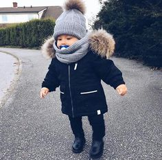 Shared by igiaze. Find images and videos about cute and baby on We Heart It – th… Shared by igiaze. Find images and videos about cute and baby on We Heart It – the app to get lost in what you love. So Cute Baby, Cute Kids, Cute Babies, Baby Kids, Baby Baby, Baby Boy Fashion, Toddler Fashion, Kids Fashion, Baby Outfits