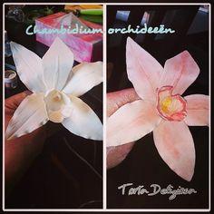 Orchideeën voor op de bruidstaart van vandaag. Nog 3 te gaan. Napkins, Tableware, Dinnerware, Towels, Dinner Napkins, Dishes, Serveware