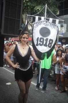 Leandra Leal, de 'Império', é destaque do Carnaval do Cordão do Bola Preta no RJ
