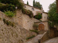 Village de Rochegude - www.viacarto.com