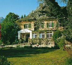 Landhaus zu Appesbach Wolfgangsee Vienna Austria, Houses, Mansions, House Styles, Travel, Home Decor, Farmhouse, Homes, Viajes