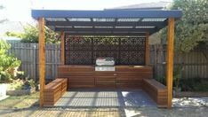 Outdoor BBQ entertaining area, Built in BBQ. Melbourne summer nights are the perfect time for entertaining and why not do it with style. Outdoor Areas, Outdoor Rooms, Outdoor Living, Outdoor Decor, Barbacoa Jardin, Outdoor Screens, Pergola Screens, Timber Pergola, Cedar Pergola
