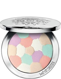 Enhance your complexion in a flash with the Guerlain Meteorites Compact Light-Revealing Powder, a radiance-enhancing finishing powder. Harnessing all of the corrective and illuminating powder of the original Meteorites Perles, the Meteorites Co My Beauty, Beauty Makeup, Beauty Hacks, Best Face Products, Pure Products, Beauty Products, Skin Products, Makeup Products, Color Correction Makeup
