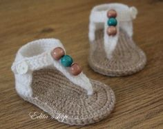 Crochet baby sandals baby gladiator sandals baby booties baby shoes White and tan with wooden beads READY TO SHIP size months Love Crochet, Diy Crochet, Crochet Crafts, Crochet Projects, Crochet Girls, Crochet Flower, Diy Crafts, Crochet Baby Sandals, Crochet Baby Booties