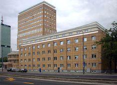 Gmach Ministerstwa Komunikacji – modernistyczny biurowiec przy ulicy Tytusa Chałubińskiego 4 w Warszawie, powstały w latach 1929–1931. Projekt wykonał Rudolf Świerczyński