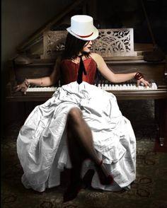Flo-gothic-dress