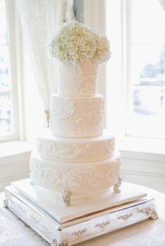Wedding cake idea; Featured Photographer: Art Haus Foto