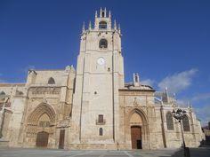 Frontispicio. Catedral de san Antolín . Palencia.
