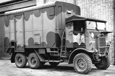 Panzerserra Bunker- Military Scale Models in scale: Leyland Retriever - Gantry version - British lorry - 3 ton - case report Mobile Workshop, British Army, Skin So Soft, Old Trucks, Exotic Cars, Scale Models, Military Vehicles, Soldiers, Boats