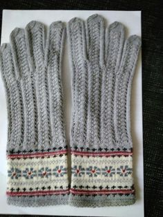 Latvian gloves