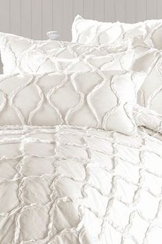 Vintage Washed 100% Cotton Ruffle Quilt - Antique White