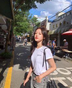 Cute Korean, Korean Girl, Asian Girl, Korean Photography, Photography Poses, Korean Fashion Trends, Poses For Pictures, Ulzzang Girl, Asian Style