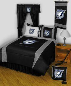 1000 images about keri 39 s room ideas on pinterest hockey for Chicago blackhawk bedroom ideas