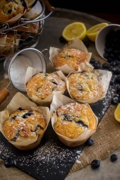 Lemon Blueberry Muffins, Blue Berry Muffins, Mini Cakes, Chocolate Cake, Sweet Recipes, Delish, Cupcakes, Sweets, Cookies