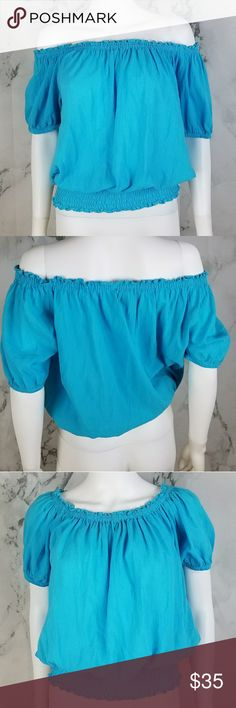 Michael Kors ruffled blouse Super cute blouse that can be worn multiple ways. In great condition Michael Kors Tops Blouses
