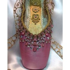 Pink and gold decorated pointe shoe with vintage jewels. Aurora. ❤ liked on Polyvore featuring home, home decor, pink home decor, gold home accessories, metallic home decor, vintage home accessories and gold home decor