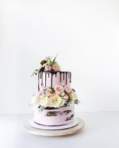 WEBSTA @ cakesbycliff - Fresh floral wedding cake! Top tier a bit tipsy