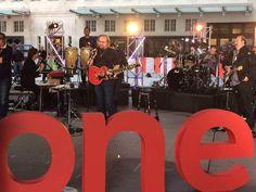 Barry Gibb/eo