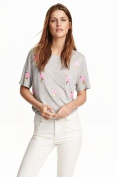 Flamingo jersey top from H&M H&m Fashion, Fashion Online, Flamingo Top, Hang Ten, Poses, Everyday Fashion, Ideias Fashion, My Style, Casual