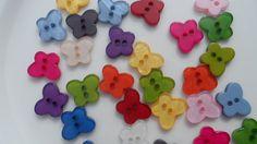 12 Bottoni a Farfallina di CuciCuciCheTiPassa su Etsy