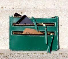 Cartera de cuero para mujeres en verde esmeralda iPhone por BogaBag