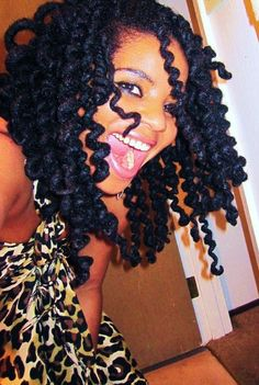 Locs curled with pipe cleaners. So fun! I did this with my yarn braids/genie locs and I loved it! Dreadlock Styles, Dreads Styles, Braid Styles, Love Hair, My Hair, Hair Afro, Curly Hair, Cabello Afro Natural, Coiffure Hair