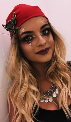 Looking for for ideas for your Halloween make-up? Browse around this website for creepy Halloween makeup looks. Halloween Makeup Pirate, Pirate Makeup, Pirate Halloween Costumes, Pretty Halloween, Halloween Outfits, Halloween Make Up, Pirate Costume Couple, Pirate Hair, Scary Halloween