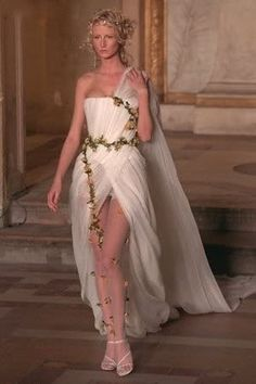 The Look: Givenchy by Alexander McQueen Haute Couture Spring 1997 Greek Toga, Greek Dress, Greek Fashion, Grecian Goddess, Goddess Costume, Bridesmaid Dresses, Wedding Dresses, Ancient Greece, Long Prom Dresses