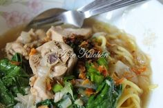 Azie Kitchen: Mee Sup Istimewa Yang Sangat Sedap Noodle House, Noodles, Spaghetti, Cooking Recipes, Sup, Meat, Chicken, Template, Ethnic Recipes