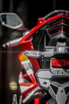 cbr250rr 2017 Motorcycle Design, Motorcycle Style, Ducati, Cbr 250 Rr, Honda Sport Bikes, Honda Cbr 1000rr, Custom Sport Bikes, Pocket Bike, Motorcycle Photography