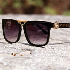 Stunning Versace Sunglasses.. http://www.visiondirect.com.au/designer-sunglasses/Versace/Versace-VE4262-GB1/11-199030.html?utm_source=pinterest&utm_medium=social&utm_campaign=PT post #sunglassesobsessed