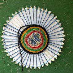 paper plate yarn weaving