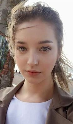 Beautiful Faces – Upload and share your images Cute Young Girl, Cute Girl Pic, Beautiful Girl Image, Beautiful Eyes, Girl Face, Woman Face, Angelina Danilova, Western Girl, Cute Beauty