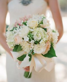 12 Stunning Wedding Bouquets - Part 15  | bellethemagazine.com