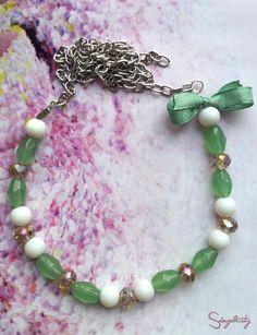 Colier handmade marca Simplicity by Melanie din perle albe cu elemente swarovski.    Pret: 40 Lei