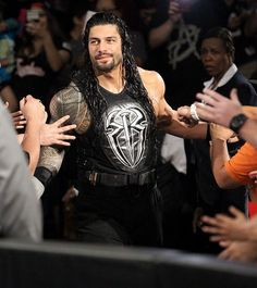 Raw Roman Reigns makes a deal with The Authority Roman Reigns Wwe Champion, Wwe Superstar Roman Reigns, Roman Reigns Smile, Wwe Roman Reigns, Roman Reigns Dean Ambrose, Roman Regins, Bae, Wwe World, Wwe Champions