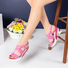 -44% Sandale dama Babs roz cu platforma la #Reduceri