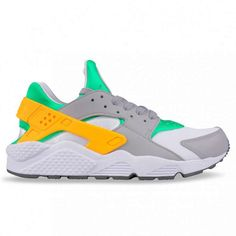00a71bfb05c8 Nice pairing of colours with the Nike Huarache  sneakers Nike Free Runners