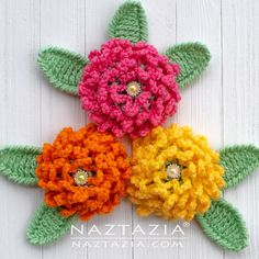 Best 12 This chain loop flower is a cute and simple crochet flower. It's made of chains and double crochet stitches. Looks like a mum or chrysanthemum. It's a nice puffy flower that works great as a decoration on a hat, scarf, shawl, bag and more. Crochet Chain, Double Crochet, Easy Crochet, Crochet Stitches, Crochet Hooks, Crochet Flower Tutorial, Crochet Flower Patterns, Crochet Designs, Crochet Flowers