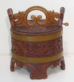Norwegian Porridge Container Carved from Gudbrandsdal, 1900.