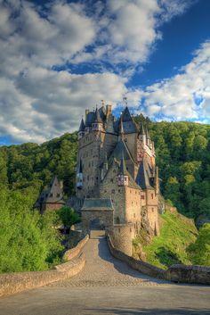 Eltz Castle - Wierschem - Germany - by Vladimir Ješić Castle House, Castle Ruins, Medieval Castle, Beautiful Castles, Beautiful Buildings, Beautiful Places, Places To Travel, Places To See, Germany Castles