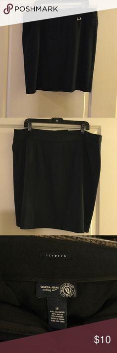 Mini Skirt Nice skirt with zipper front. Venezia Skirts Mini