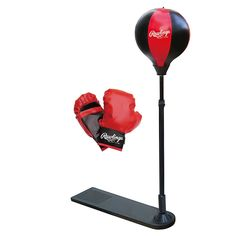 Set of 2 - 8 oz Red Junior Boxing Gloves<br>Punching bag training stand</br>