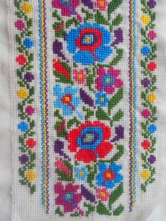 FL288 Cross Stitch Boarders, Butterfly Cross Stitch, Cross Stitch Rose, Cross Stitch Flowers, Cross Stitch Designs, Cross Stitching, Cross Stitch Patterns, Hand Embroidery Stitches, Cross Stitch Embroidery