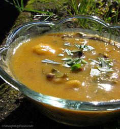 "Tandoori Love Soup recipe by Cathy: ""I call this 'Tandoori Love Soup' because its very sensuousthe sweet and spicy tandoori seasoning (including saffron) shitake mushrooms sweet yams and fresh tarragon come together in a dish that is rich in flavor Vegan Indian Recipes, Delicious Vegan Recipes, Vegan Soups, Vegan Vegetarian, Healthy Soups, Whole Food Recipes, Soup Recipes, Fast Metabolism Diet, Vegan Meal Plans"