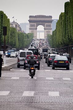 Well this brings back a lot of memories. Beautiful place, crazy traffic - Champs Elysee - Paris