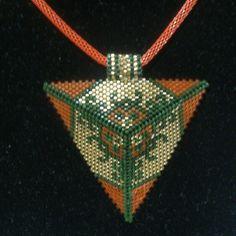 Üçgen miyuki Peyote Patterns, Beading Patterns, Loom Patterns, Triangle Design, Triangle Pattern, Beaded Jewelry Patterns, Geometric Jewelry, Peyote Beading, Beaded Jewelry